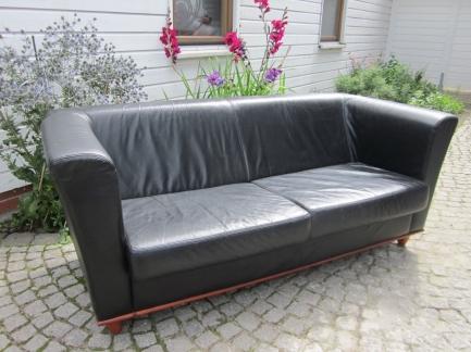 Софа 2 черная Ikea известного мирового бренда Ikea купить в интернет магазине kamin.cn.ua по цене 3 300.00 Євро с доставкой по Украине