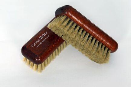 Щетка для очистки кожи с мягкой щетиной известного мирового бренда Furniture clinic купить в интернет магазине kamin.cn.ua по цене 170.00 Євро с доставкой по Украине